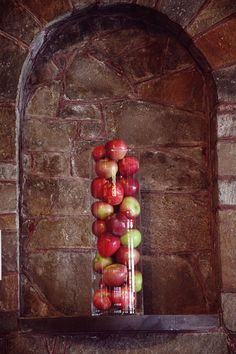 rustic apples wedding centerpiece / http://www.himisspuff.com/apples-fall-wedding-ideas/11/