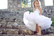 Fields of Flowers / Wedding Style Inspiration / LANE #TheLANEweddings #BulgariResortBaliEscape