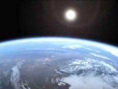 EL DIA Y LA NOCHE PARA NIÑOS Earth Seasons, Spanish Immersion, Montessori Activities, Social Science, Conte, Outer Space, Solar System, Cosmos, Airplane View