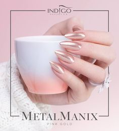 MetalManix Pink Gold by Kasia Wojtczak, Indigo Team Łódź #nails #nail #gold #pink #indigo #nailart #ombre #metalmanix #metal #chrome #mirror #sexy