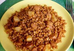 Virslis-tarhonyás egytál Chana Masala, Feta, Oatmeal, Beans, Food And Drink, Baking, Vegetables, Breakfast, Health