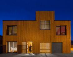 JP House, una casa prefabricada con aspecto de mimbre en un pequeño pueblo de Cuenca.