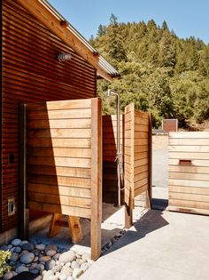 outdoor-shower-northern-california-wood-siding