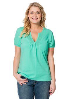 Typ , Shirt,  Materialzusammensetzung , 95% Baumwolle, 5% Elasthan,  Ausschnitt , V-Ausschnitt,  Ärmelstil , Kurzarm,  Gesamtlänge , Größenangepasste Länge von ca. 72 bis 80 cm,   ...