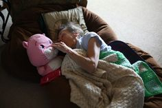 Heartbreaking photo series shows woman's slow descent into early-onset dementia