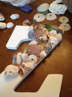 This would awesome for the beach theme living room . Something to do with all the shells we bring back.