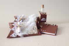 Caixa com Licor Marula e caixa com bloquinho. Lembrança formatura