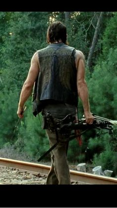 HEY GRACE!! look  at that crossbow