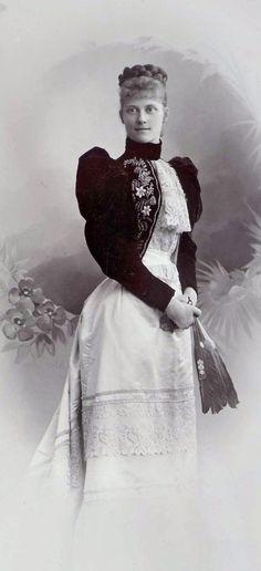 Princesse Louise d'Orléans (1869-1952) fille de Ferdinand duc d'Alençon et de la duchesse Sophie-Charlotte en Bavière. Epouse du prince Alphonse de Bavière