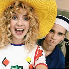 Zoella and joe sugg Joe And Zoe Sugg, Joe Sugg, Buttercream Squad, Zoella Hair, Sugg Life, Gossip Girl Outfits, British Youtubers, Vlog Squad, Kian Lawley