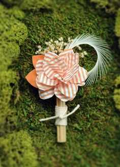 Everybody Loves Creamsicle Boutonniere #wedding #flower... ADD diy ♥❤ www.customweddingprintables.com