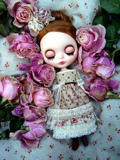 Blythe_Sleeping beauty.   Aaahhh it's my doll (name) and my favorite movie