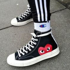 Comme Des Garons X Converse High Top Sneakers, Sneakers Mode, Sneakers Fashion, Shoes Sneakers, Hypebeast Sneakers, Fashion Boots, Vest Outfits, Outfit Jeans, Mode Outfits