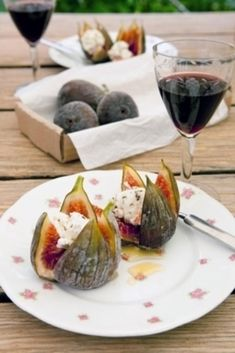 BBQ recept: Warme vijgen met geitenkaas en honing - Mijn Cobb Healthy Cooking, Healthy Snacks, Healthy Recipes, Feel Good Food, I Love Food, Tapas, Veggie Appetizers, Vegan Fish, Diner Recipes