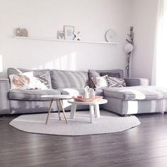 10+ Wonderful Minimalist Living Room Decor Ideas - http://centophobe.com/10-wonderful-minimalist-living-room-decor-ideas/ -