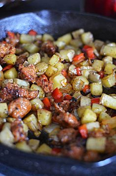 Chorizo Green Chile Breakfast Skillet - Host The Toast - Chorizo Green Chile Breakfast Skillet. Start your day with a little spice with this Mexican dish. Chorizo Breakfast, Breakfast Skillet, Mexican Breakfast Recipes, Breakfast Dishes, Mexican Dishes, Breakfast Time, Brunch Recipes, Mexican Food Recipes, Breakfast Casserole