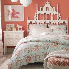 Not present Nude teen girls bedroom
