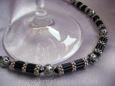 Bracelets, necklaces, berries, earrings, pendants, pearls, lace patterns produced descriptions pearl stitch