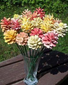 Tannenzapfen Blumen. Creamsicle-inspiriert. Ein Dutzend bemalte Tannenzapfen auf 12-Zoll-Holzstielen. Strauß. Geschenke für Frauen