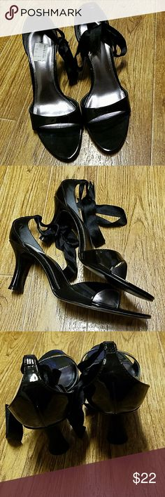 Ladies black patent leather heels size 9M Super cute black heaals. Black ribbon strap around the ankles. Size 9M. Small scratch left heel barely noticible.  See pics. Otherwise EUC!! Great shoes. Approx 3 in heels. Mixit Shoes Heels