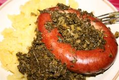 How to Make German Bregenwurst - this is a sausage making re.- How to Make German Bregenwurst – this is a sausage making recipe from Germany for Bregenwurst from lower Saxon (Niedersachsen). Homemade Sausage Recipes, Pork Recipes, Chicken Recipes, Cooking Recipes, How To Make Sausage, Sausage Making, Bangers Recipe, Italian Chicken Dishes, Gourmet
