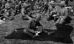 The Canadian uniform was as durable as those of British military fabric, the canvas proved stiff and harsh, chaffing the necks and legs of the troops.