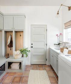 "Kelsey | OKC Interior Designer on Instagram: ""Sunday morning blues 💙 🏡: @mcgregorhomes 📸: @emilyhartphoto 💐: @xohaleighkenney"" Mudroom Laundry Room, Small Laundry Rooms, Laundry Room Design, Farmhouse Laundry Rooms, Farmhouse Interior Doors, Laundry Room Colors, Laundry Room Remodel, Interior Door Colors, Interior Design"