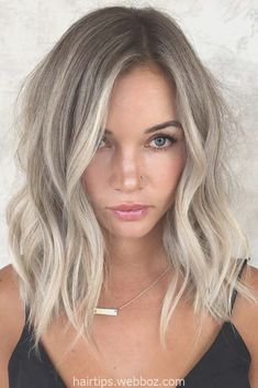 Haar The stunning Ash Blonde Hair Gallery: 18 trendy and cool ideas for everyone- Cool Ash Blonde ★ The ash blonde hair color is for ladie. Cool Ash Blonde, Natural Ash Blonde, Ash Blonde Hair, Balayage Hair Blonde, Medium Brown Hair, Medium Hair Cuts, Medium Hair Styles, Work Hairstyles, Hair Photo