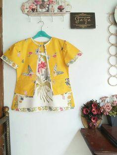 Gfgg Kalamkari Blouse Designs, Kurti Neck Designs, Batik Kebaya, Batik Dress, Kids Dress Patterns, Clothing Patterns, Cute Blouses, Blouses For Women, Blouse Batik Modern