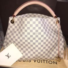 My new baby Artsy MM New come with receipt ! Ppp only ... Only used a few  time .. Box dust bag ! No trades !! Louis Vuitton Bags Shoulder Bags f3748538c3cab