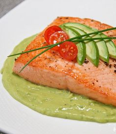 Recipe For  Pan Seared Salmon with Spicy Avocado Puree