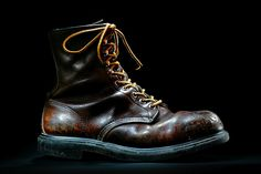 Beautiful shot of some vintage Red Wing 7'' Round Toe's with Super Sole #redwing