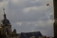 The 2013 Red Bull Cliff Diving season gets off to a flying start in France.