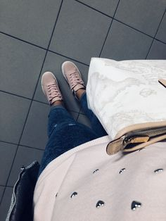 First Class 👜 ✨  #firstclass #primaclasse #donna #bag #outfits #love #simple #pink #style #shopping #1 #girl #goodmorning