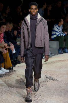 864bcd8340b1 The complete Louis Vuitton Fall 2018 Menswear fashion show now on Vogue  Runway.  wintermensfashion