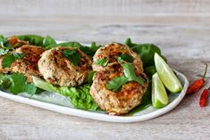 Great appetizer or light lunch - Asian Fish Cakes. Fish Recipes, Seafood Recipes, Asian Recipes, Ethnic Recipes, Thai Fish Cakes, Good Food, Yummy Food, Great Appetizers, Fish And Seafood