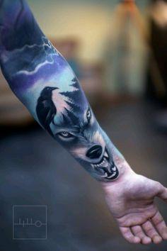Wolf Tattoo Realistic Color Forest Crow Rainer Lillo Backbone Tattoo and Art Gallery 2016 Wolf Tattoo Sleeve, Sleeve Tattoos, Chest Tattoo, Wolf Tattoos, Animal Tattoos, Celtic Tattoos, Badass Tattoos, Body Art Tattoos, Wolf Tattoo Design