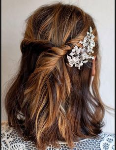 Short Wedding Hairstyle Ideas So Good Youd Want To Cut Your Hair ★ frisuren haare hair hair long hair short Diy Bridal Hair, Wedding Hair Tips, Bridal Hair Tutorial, Short Wedding Hair, Wedding Ideas, Wedding Updo, Wedding Things, Holiday Hairstyles, Wedding Hairstyles