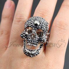 Rhinestone Skull Fashion Stretch Ring