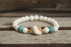 Náramok z minerálov biely jadeit a perleť