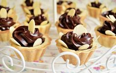 Minitarte cu cremă de lapte condensat și ciocolată   Rețete Merișor