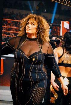 Nia Jax, Wwe Female Wrestlers, Modelos Plus Size, Wwe Womens, Poses, Plus Size Model, Bodycon Dress, Wrestling, Dresses