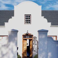 Dutch gable facade (houseandleisure.com)