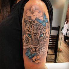Leopardo - Leopard Tattoo - Tattoo Designs for Women - Tattoos Tiger Tattoo Thigh, Tiger Tattoo Sleeve, Arm Sleeve Tattoos, Head Tattoos, Sleeve Tattoos For Women, Rose Tattoos, Body Art Tattoos, Tatoos, Leopard Tattoos
