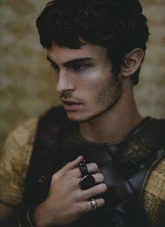 Baptiste Giabiconi, moins beau que quelqu'un d'autre, mais... Quand même.