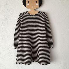 264ecf78e450 PYT dress pattern by Lone Kjeldsen. BabystrikningDiy KjoleStrikkeprojekterBørn  Og ForældrePiger KjolerTejidosGarnStrikHåndarbejde