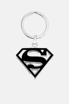 Llavero de Superman DC Comics en Negro. Si quieres ver mas accesorios de #DCcomics, checa nuestro link donde tenemos los mejores modelos listos para ti con envíos a todo #Mexico.