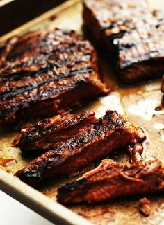 Asian-Inspired-Grilled-Flank-Steak by Alice Currah, : Dry brined for an hour and then rinsed to remove all the salt. rubbed with spices and quickly grilled to a tasty, succulent perfection. This is great for a barbecue (or for Father's Day)! Think Food, I Love Food, Good Food, Yummy Food, Grilling Recipes, Meat Recipes, Cooking Recipes, Cooking Tips, Flank Steak Recipes