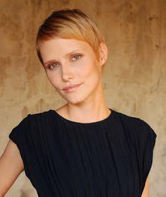 Des coiffures pour femmes cheveux courts 2012 à 2013 . Mets tes cheveux afin que vous puissiez regarder imbattable, avec un changement...