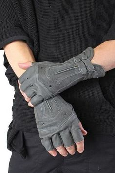 gloves These exquisite gloves are made of soft sheep leather with hand cast brass studs, snap and zipper closures. Not intended for use in actual archery. Often imitated, never duplicated - be Cyberpunk Mode, Cyberpunk Fashion, Dystopian Fashion, Sheep Leather, Leather Gloves, Grey Gloves, Biker Gloves, Grey Leather, Mein Style